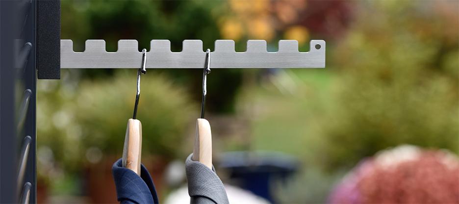 Polyvalent : le crochet de vestiaire rabattable pour balcon et intérieur