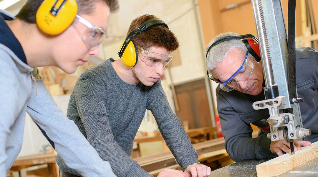 Action sur les caisses à outils pour personnes en formation