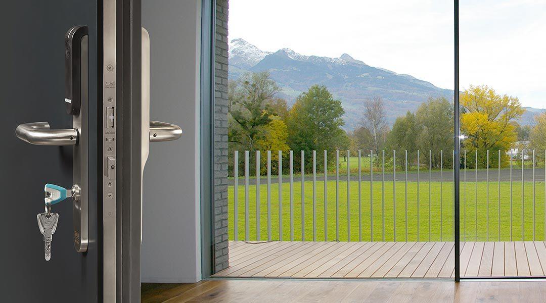 MSL AutoTriBloc: Adaptable sur toutes les portes en bois